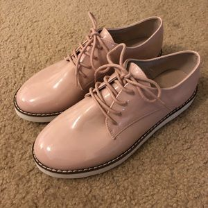 Light pink patent leather shoes